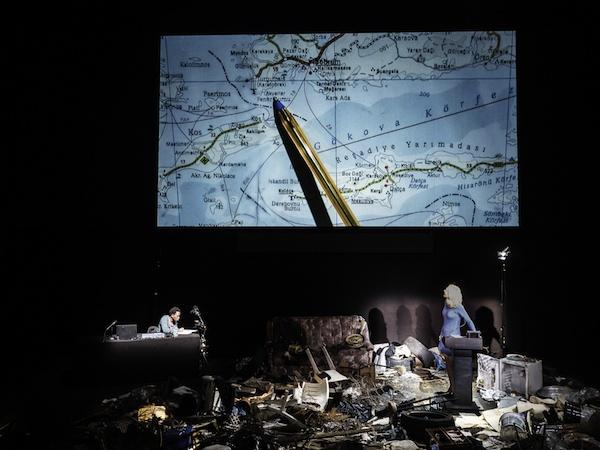 Theaterstück von Milo Rau, Aufführung an der SCHAUBÜHNE/ Berlin/Januar 2016